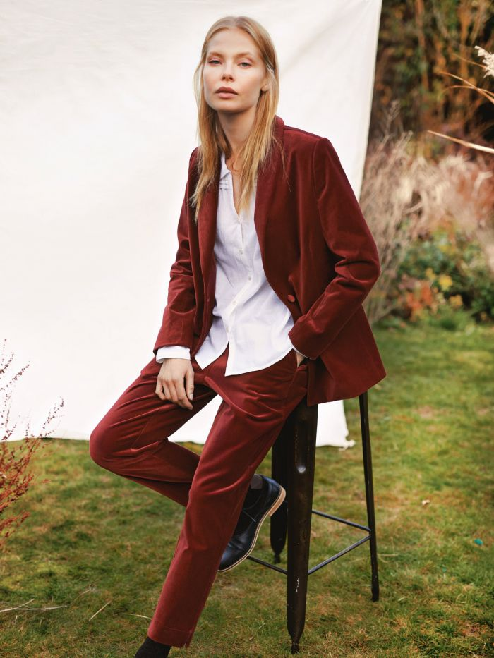 Thought-sustainable-suit